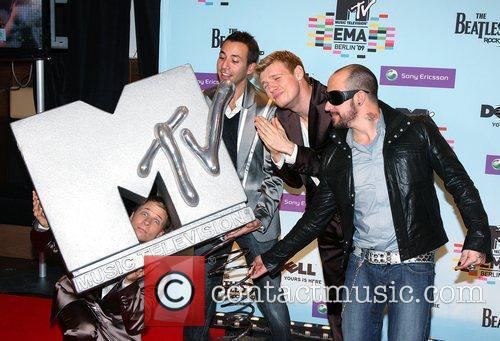 Brian Littrell, Howie Dorough, Mtv and Nick Carter 2