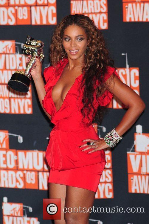 Beyonce Knowles and Mtv 2