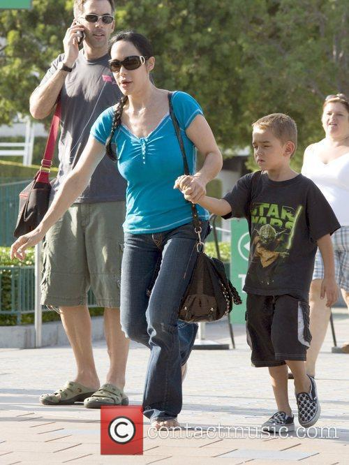 Nadya Suleman Aka Octomom Steps Out With One Of Her 14 Children 2
