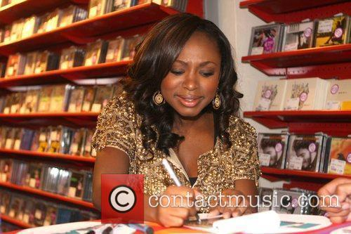 Naturi Naughton, from Fame, signs autographs and performs...