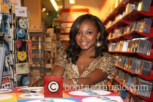Naturi Naughton, From Fame, Signs Autographs and Performs At The Fame Music Store 7