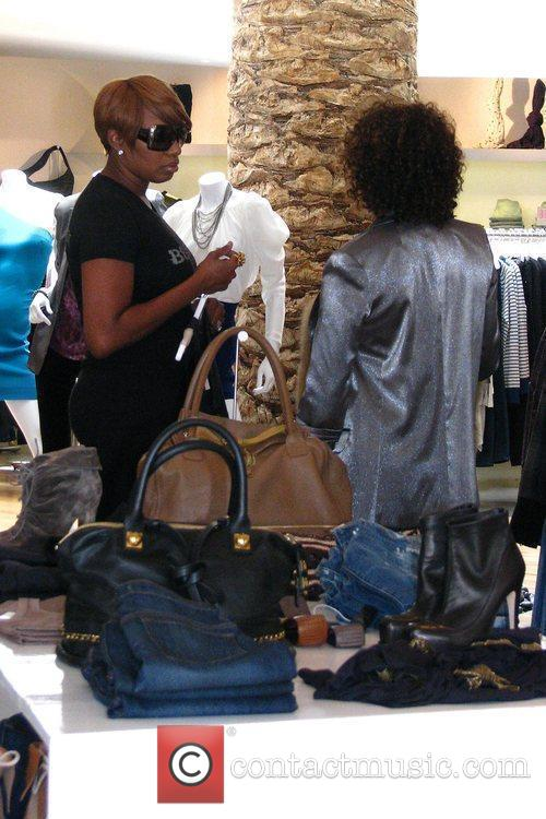 'the Real Housewives Of Atlanta' Star Nene Leakes Shopping At Intermix After Shopping At Rock 8
