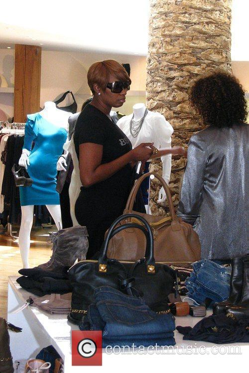 'the Real Housewives Of Atlanta' Star Nene Leakes Shopping At Intermix After Shopping At Rock 10