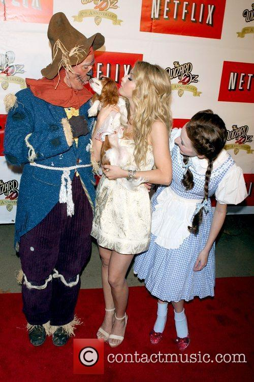 Julianne Hough and The Wizard Of Oz 7