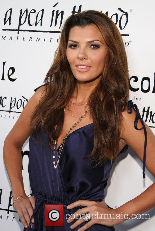 Ali Landry A Pea In The Pod Hosts...