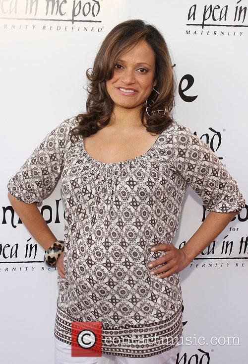 Judy Reyes A Pea In The Pod Hosts...