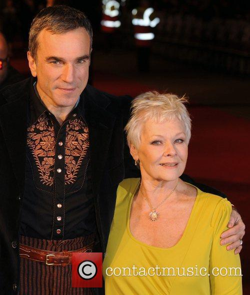 Daniel Day Lewis and Judi Dench 8