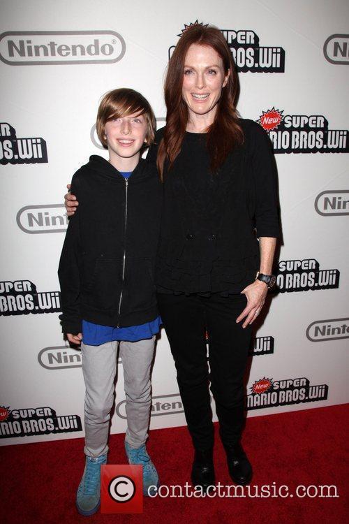 Caleb Freundlich and Julianne Moore 5