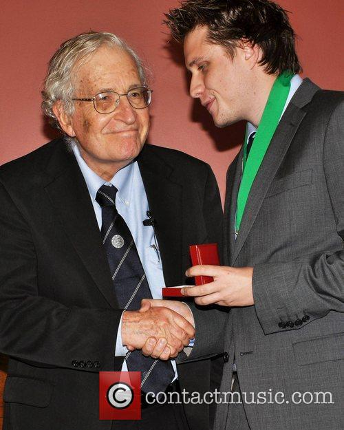 Noam Chomsky and Jamie Walsh (historical Society) 5