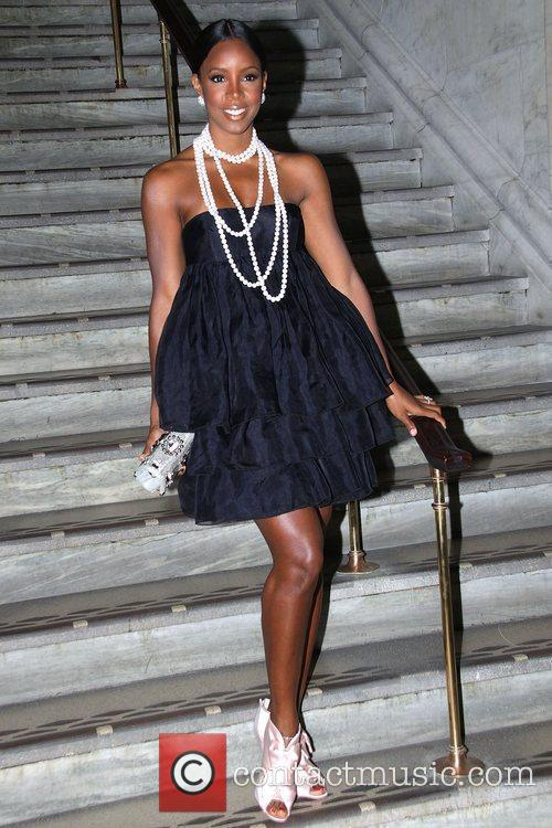 Kelly Rowland Jill Stuart Spring 2010 Collection -...