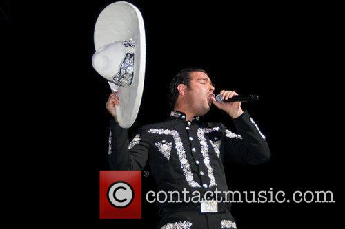 Pablo Montero Performing Live At Jose Miguel Agrelot Coliseum 3