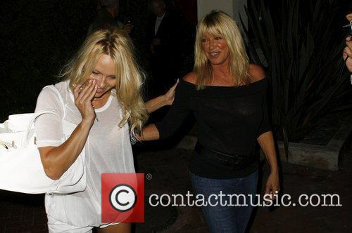 Pamela Anderson and Suzanne Somers 2