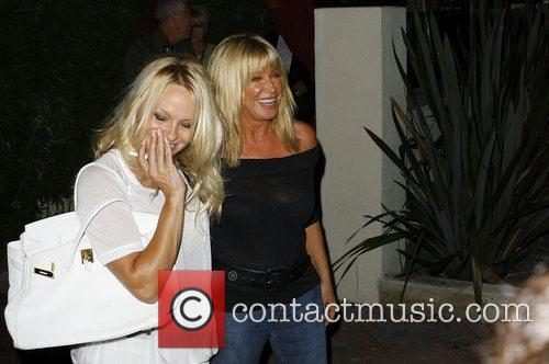 Pamela Anderson and Suzanne Somers 7