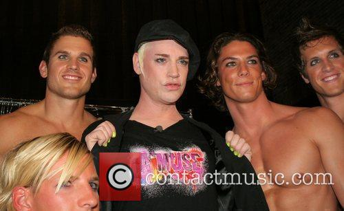 Richie Rich and Models Backstage 6