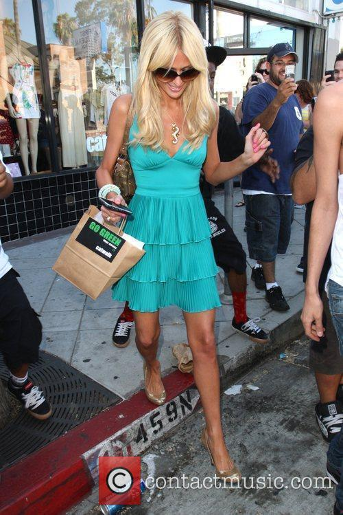 Paris Hilton shopping at Catwalk boutique in West...