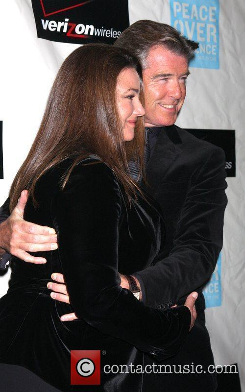 Pierce Brosnan and Wife Keely Shaye Smith Brosnan 7