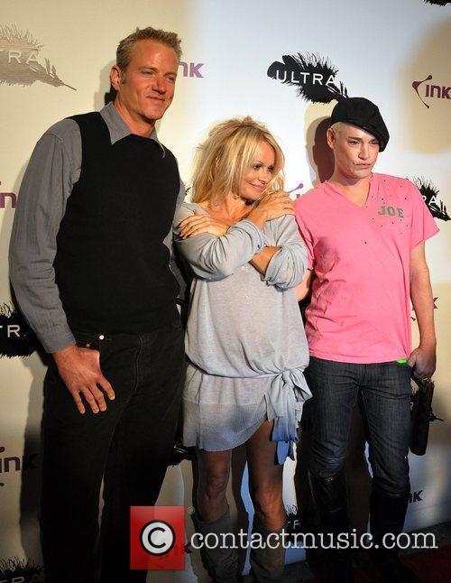 Dan Matthews and Pamela Anderson 5