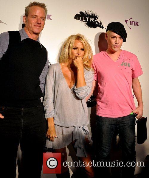 Dan Matthews and Pamela Anderson 4