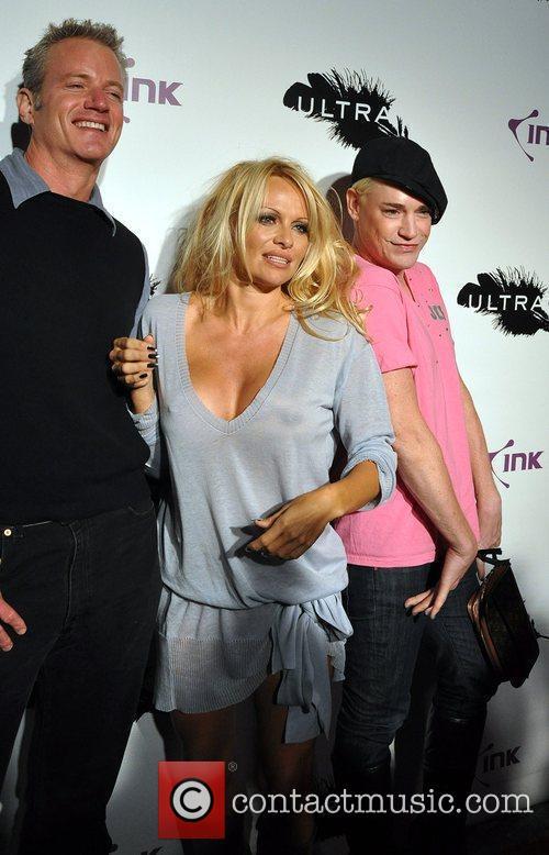 Dan Matthews and Pamela Anderson 1