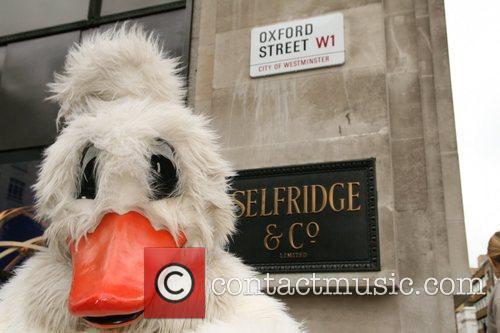 Peta Demonstrators Dressed As Ducks Protest Outside Selfridges Department Store Over The Store's Selling Of Foie Gras 8