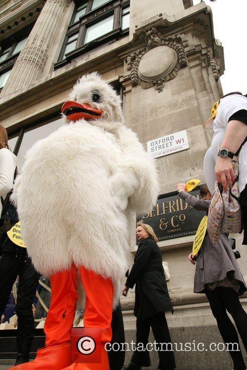 Peta Demonstrators Dressed As Ducks Protest Outside Selfridges Department Store Over The Store's Selling Of Foie Gras 4