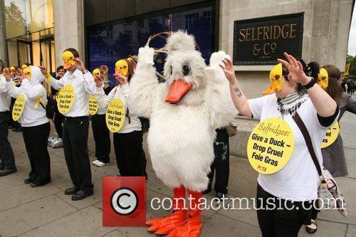 Peta Demonstrators Dressed As Ducks Protest Outside Selfridges Department Store Over The Store's Selling Of Foie Gras 7