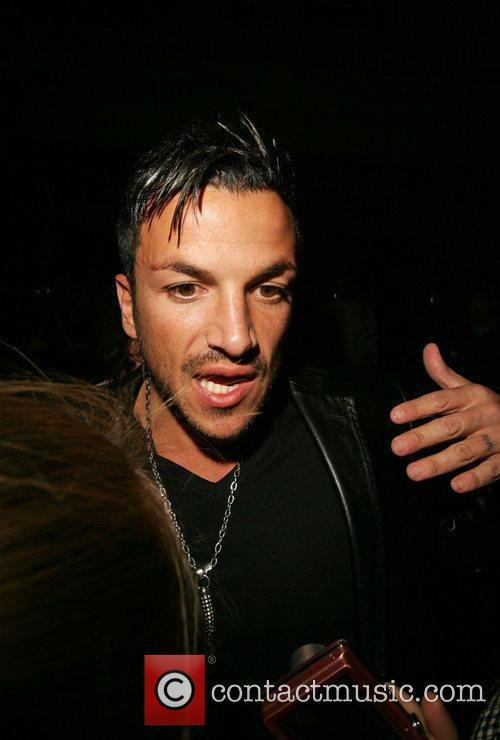 Peter Andre leaving Radio one