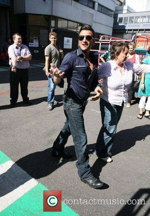 Peter Andre  leaving the 'This Morning' studios...