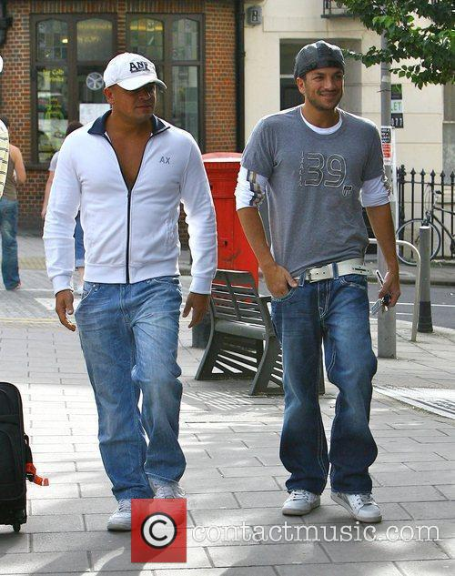 Peter Andre heading to Starbucks with his brother...