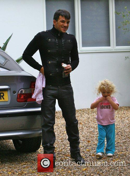 Peter Andre leaving home with his daughter Princess...