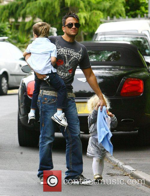 Peter Andre, With His Children Princess Tiaamii and Junior 10