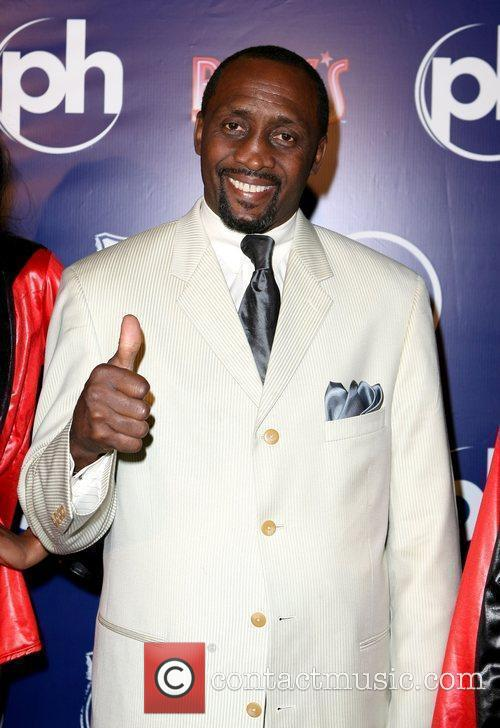 Tommy Hearns Pink's Hot Dogs Las Vegas opens...
