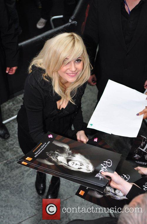 Pixie Lott appears in Manchester Arndale Shopping centre...
