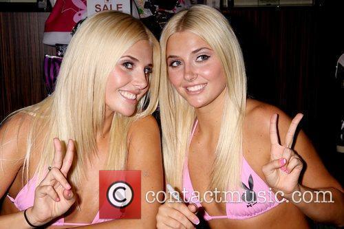 Hugh Hefner Twin Girlfriends Karissa And Kristina Shannon...