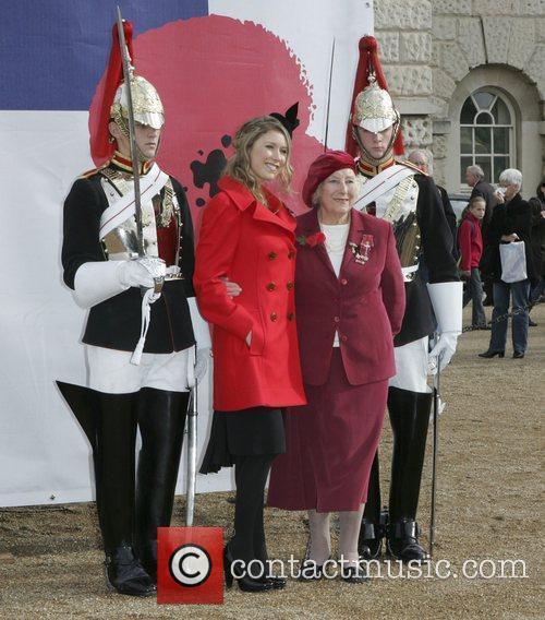 Hayley Westenra and Dame Vera Lynn 6