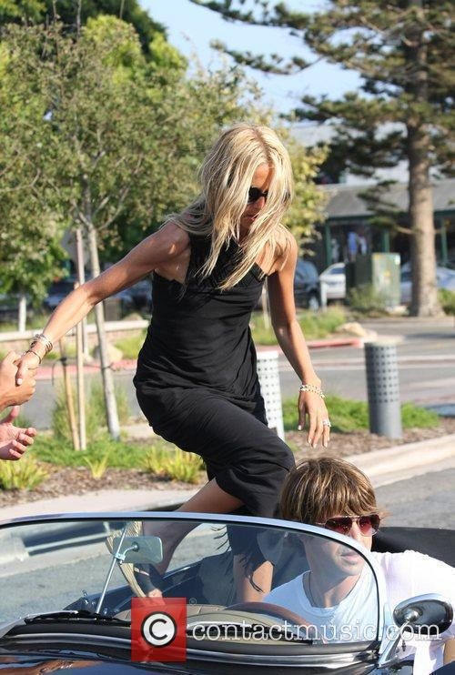 American Fashion Stylist Rachel Zoe Getting Into A Convertible Sports Car In Cross Creek 4