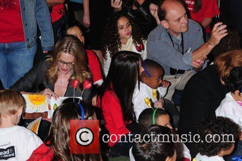 Madison Pettis and Stephanie March Read for the...