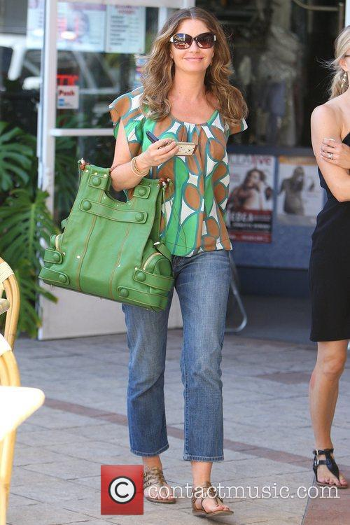 Rebecca Gayheart leaving Jinky's Cafe at the Sunset...