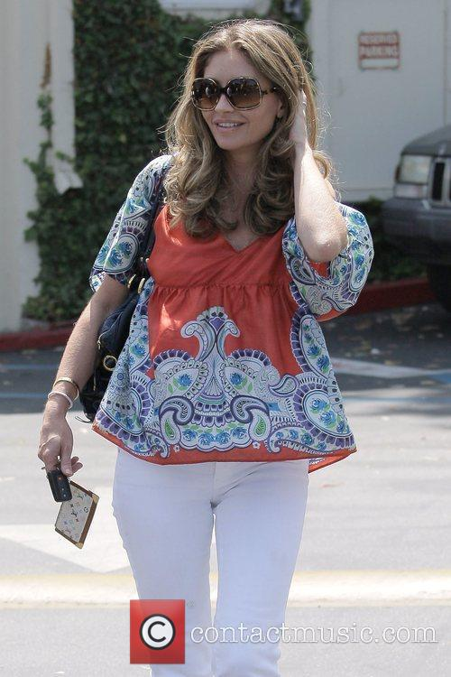 Rebecca Gayheart Leaving Cafe Med At Sunset Plaza After Having Lunch With Friends 7
