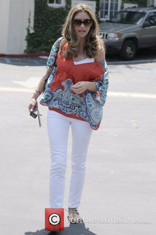 Rebecca Gayheart Leaving Cafe Med At Sunset Plaza After Having Lunch With Friends 3