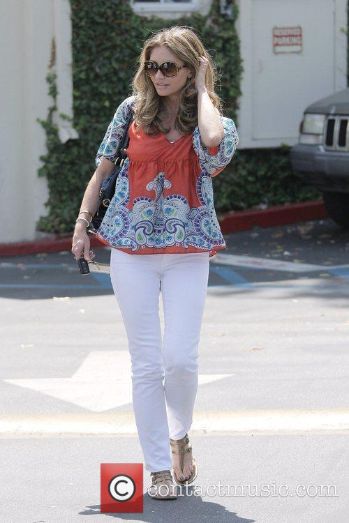 Rebecca Gayheart Leaving Cafe Med At Sunset Plaza After Having Lunch With Friends 8