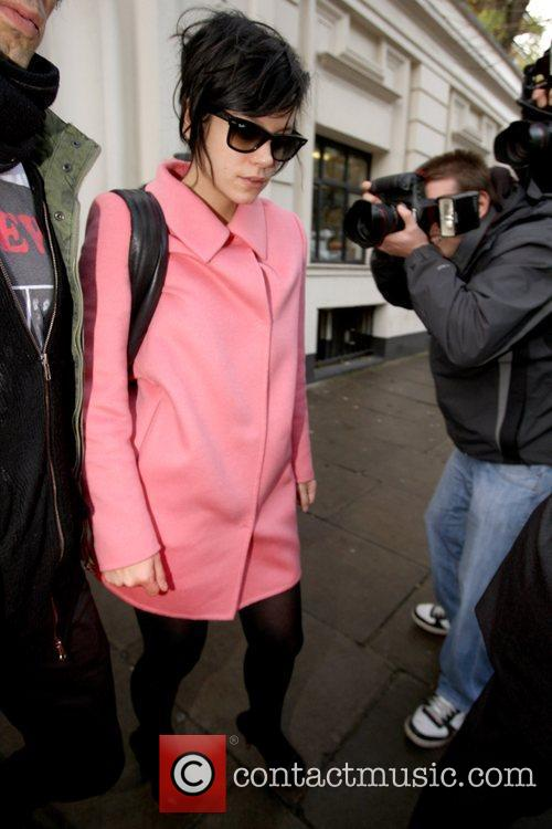 Reese Witherspoon and Lily Allen wear the same...