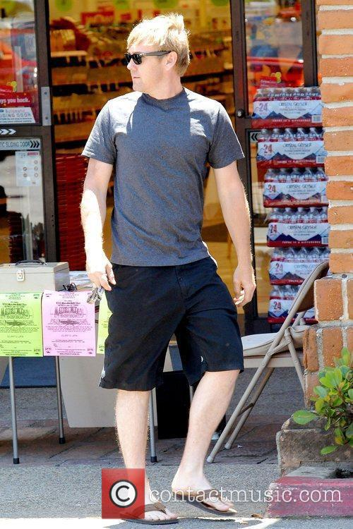 Rick Schroder shopping at CVS/pharmacy in Malibu Los...