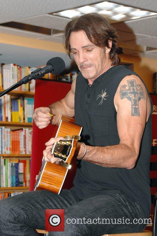 Rick Springfield Performs 10