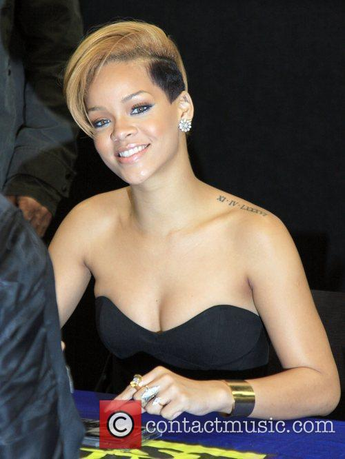 Rihanna and Def Jam 28