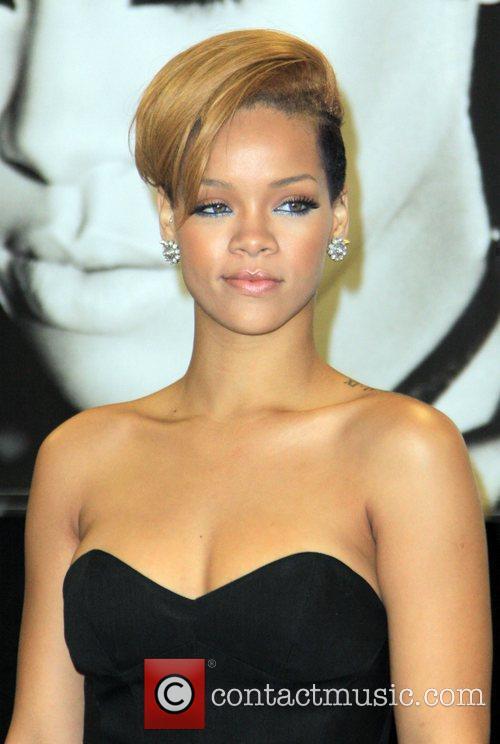 Rihanna and Def Jam 32