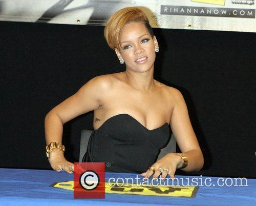 Rihanna and Def Jam 9