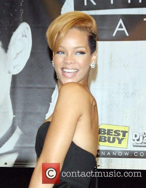 Rihanna and Def Jam 16