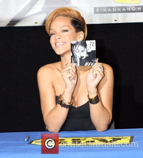 Rihanna and Def Jam 11