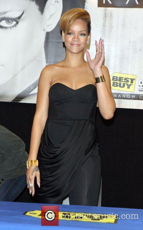 Rihanna and Def Jam 18